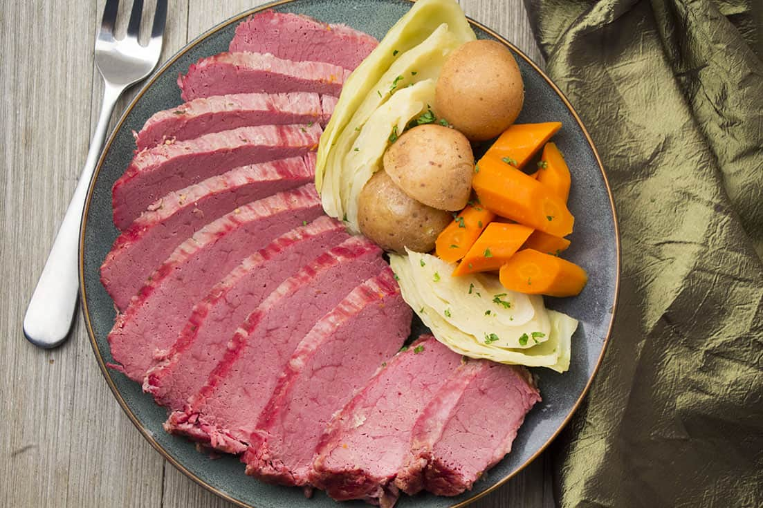 Instant Pot Corned Beef / Pressure Cooker Corned Beef and Cabbage | The Foodie Eats