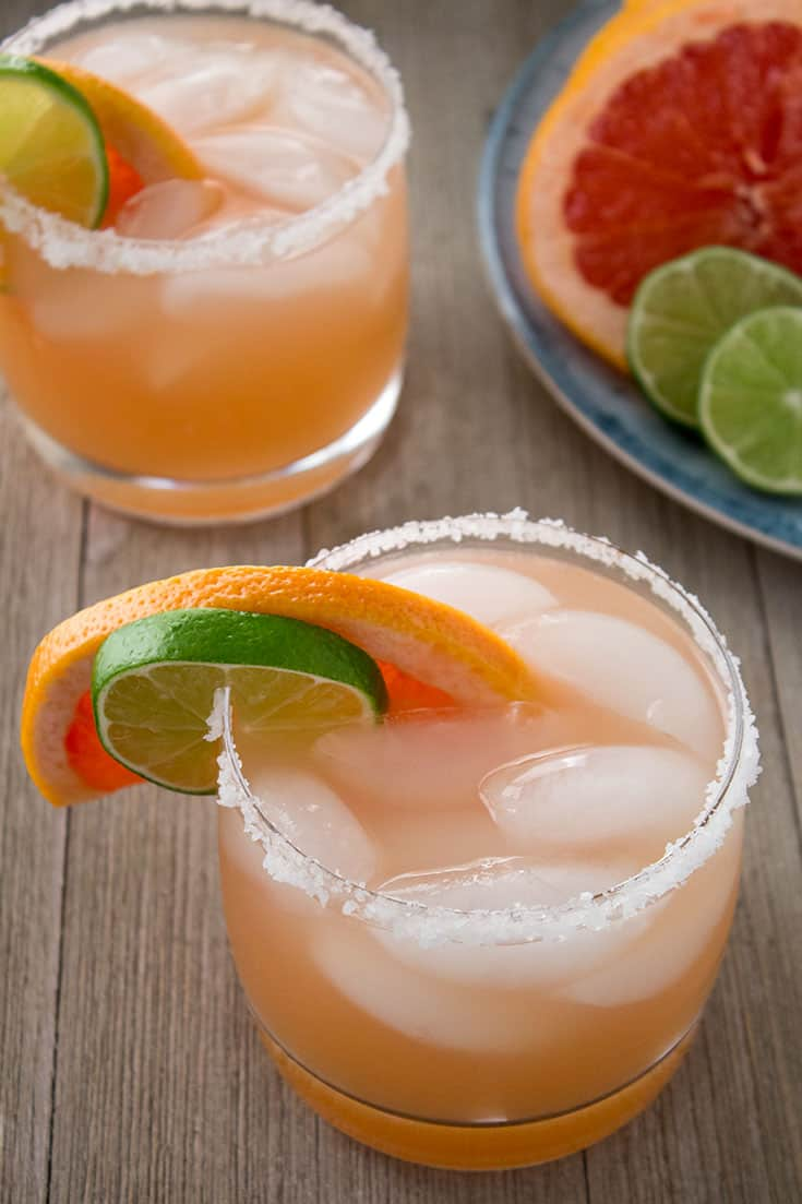 Grapefruit Margarita with Grapefruit Wedge | The Foodie Eats