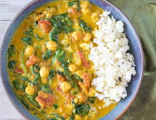 Instant Pot Curry with Chickpeas, Tomatoes and Spinach | The Foodie Eats
