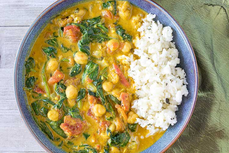 Bowl of Instant Pot Curry with Chickpeas with rice
