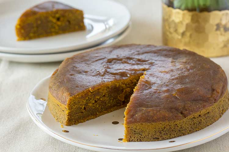 Instant Pot Pumpkin Bread | The Foodie Eats
