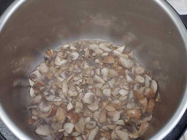 Sautéing mushrooms in Instant Pot.